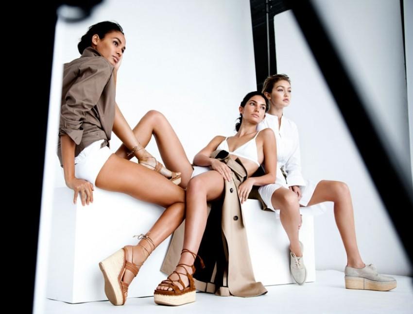 Joan, Gigi i Lily u novoj kampanji Stuarta Weitzmana