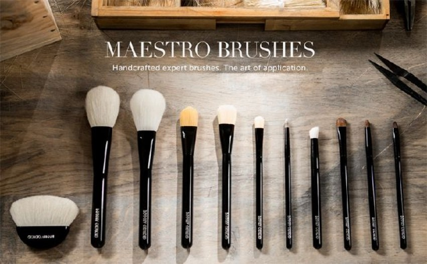 Giorgio Armani Beauty: Maestro brushes