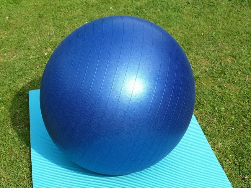 Vježbe za oslabljenu zdjelicu uz pomoć lopte