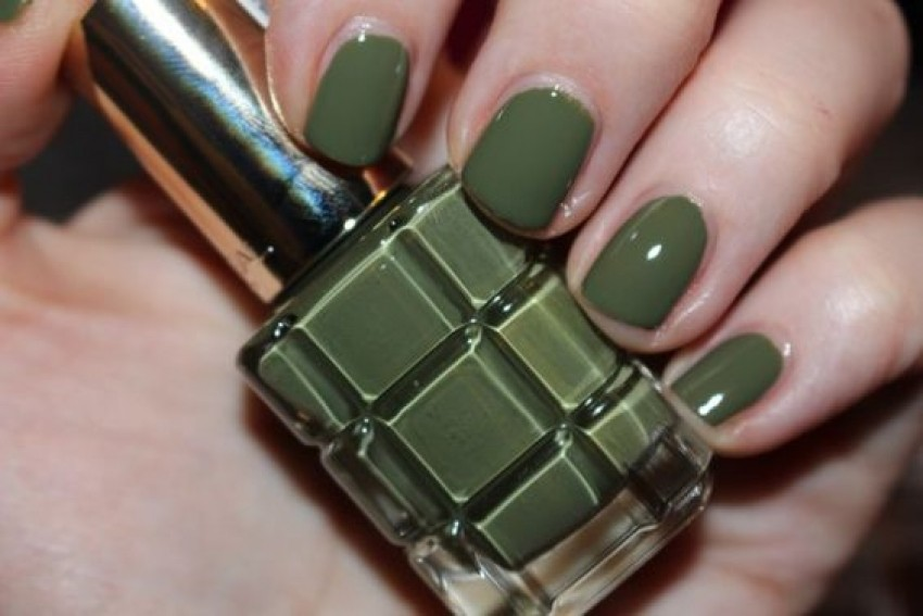 "L'Oreal Le Vernis a L'Huile ""Vert Absynthe"""