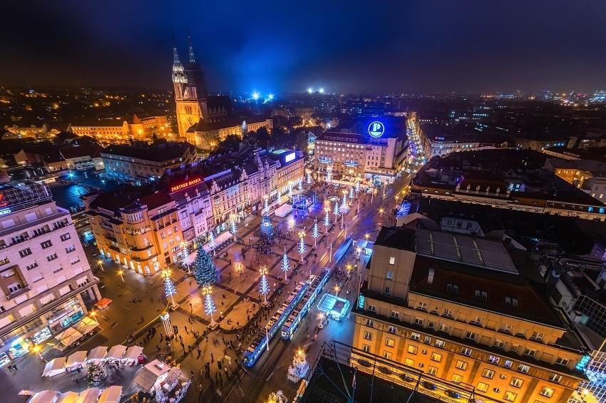 Zagrebački trg (foto: Roman Martin)