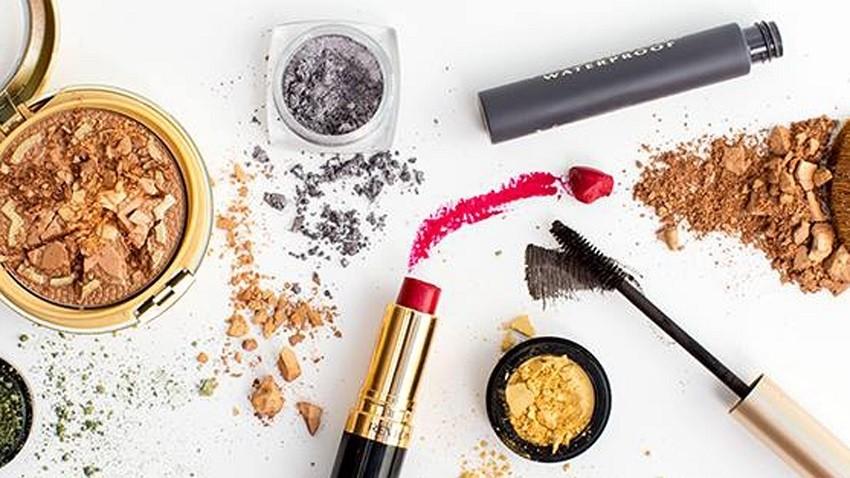 Kako popraviti šminku?