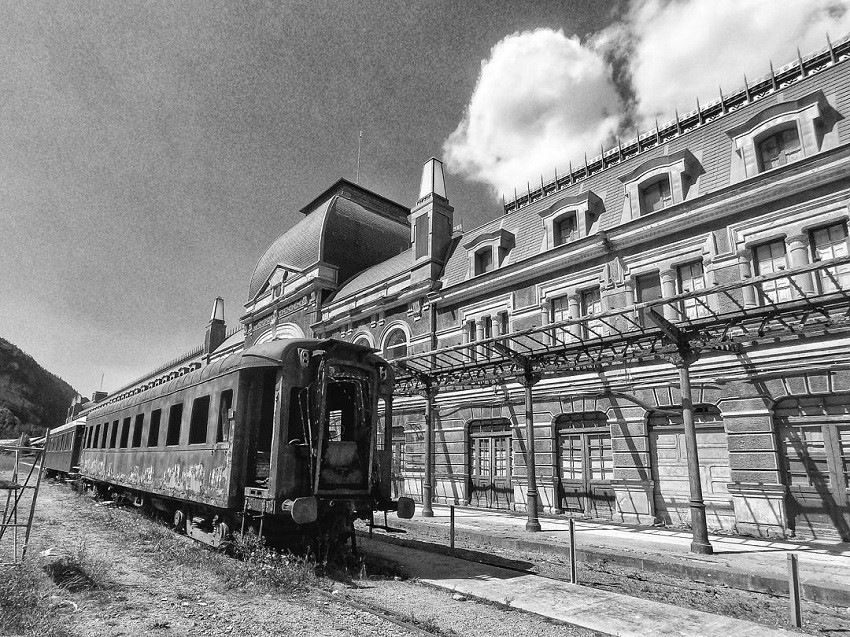 Željeznička postaja kolodvor