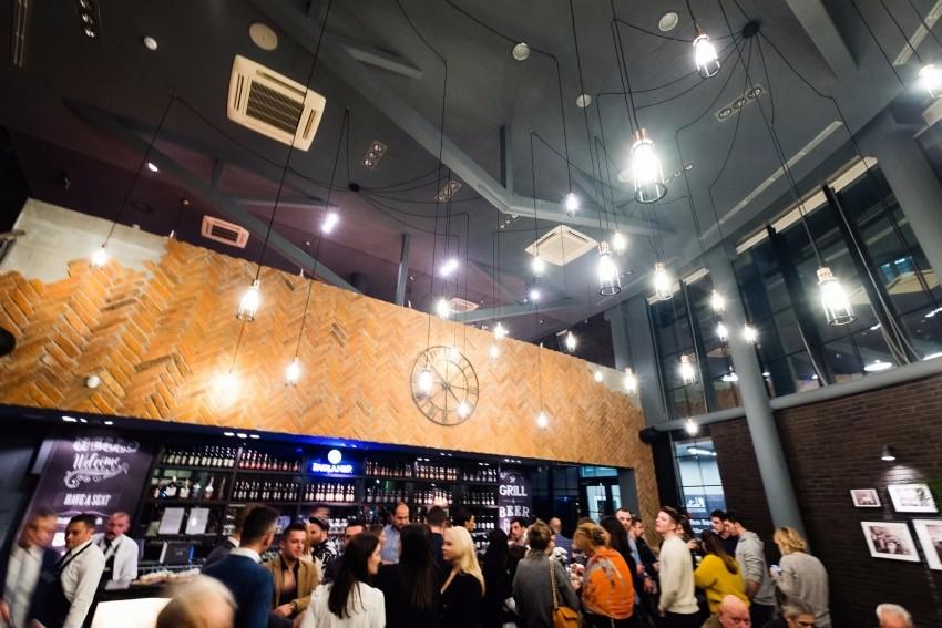 Brojni poznati na otvorenju 10. Batak Grill restorana