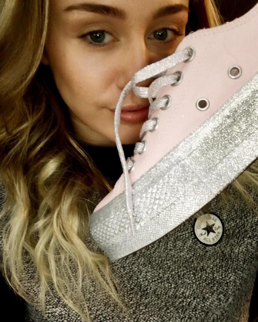 Svjetlucava suradnja Miley Cyrus i Converse