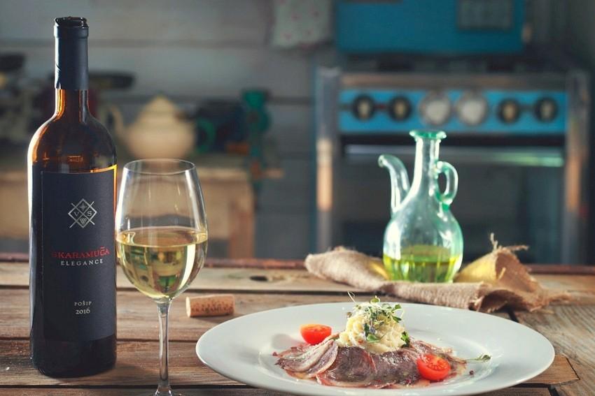 Nova vina Skaramuča Elegance sljubljena s hranom