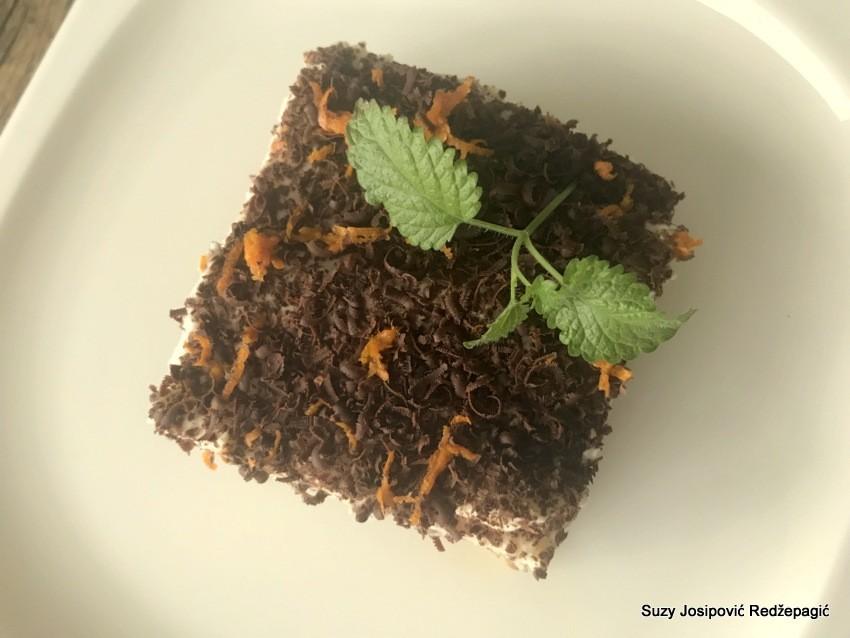 Panettone tiramisu s tamnom čokoladom i narančom