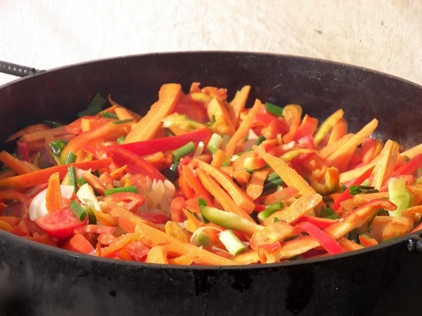 Recept: Brza wok piletina s povrćem