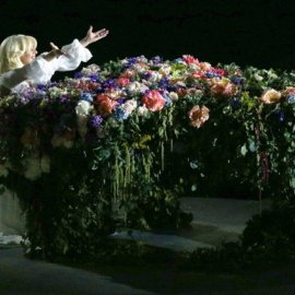 "Lady Gaga izvela predivnu verziju hita Johna Lennona ""Imagine"""
