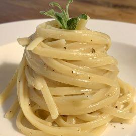 Špageti (spaghetti) cacio e pepe by Suzy Josipović, Mama zna