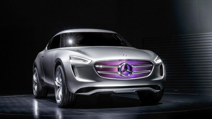 2019 - [Mercedes-Benz] EQ C - Page 3 Mercedes-benz-g-code-vision-concept-multi-voltaic-paint-turns-into-a-solar-panel-designboom01