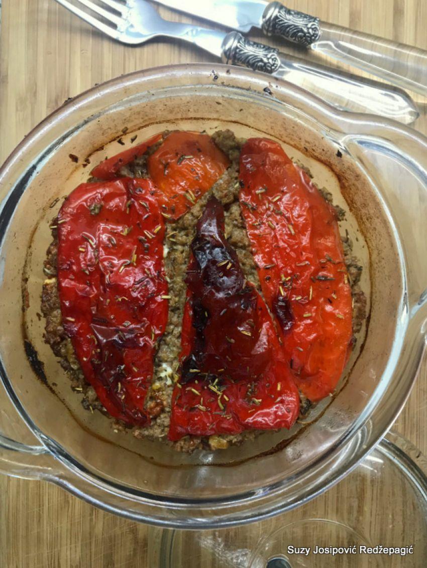 Musaka sa crvenim paprikama