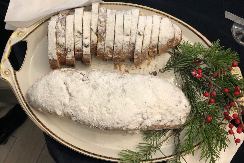 Božićni slatki kruh - stollen by Suzy Josipović Redžepagić