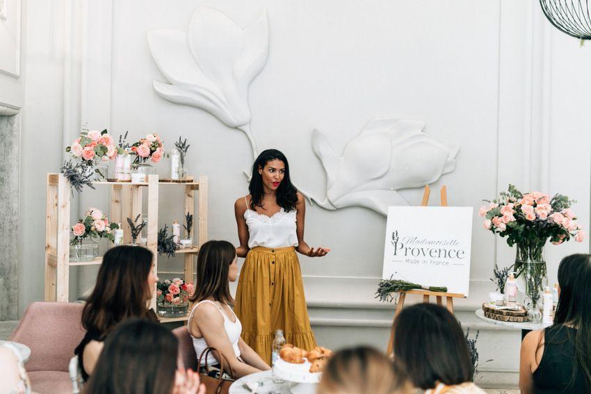 Chloe Mortaud prezentira Mademoiselle Provence